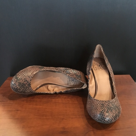 Lucky Brand Shoes - LUCKY BRAND - Snakeskin Wedges
